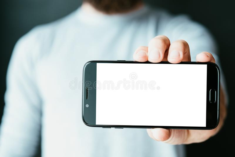 Mobil app som programmerar telefonen för programvaruutveckling fotografering för bildbyråer