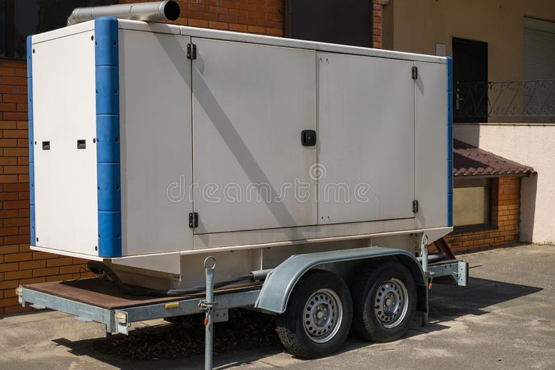 Mobil diesel- generator för nöd- elkraft på släpet royaltyfria bilder