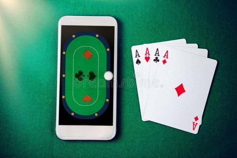 Mobil kasino Online-kasino på smartphonen fotografering för bildbyråer