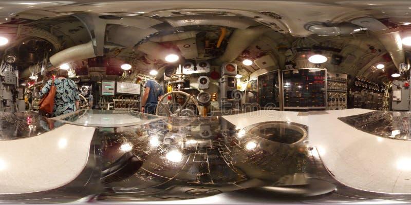 MOBIL - MAJ 12: Den ubåtUSS valsen, sikten för 360 VR inom av beskickningkommandomitten denna Gato - klassificera ubåten, som är  royaltyfria foton