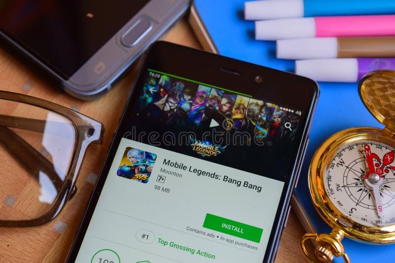 Mobila legender: Smällsmällbärare app på den Smartphone skärmen royaltyfria foton