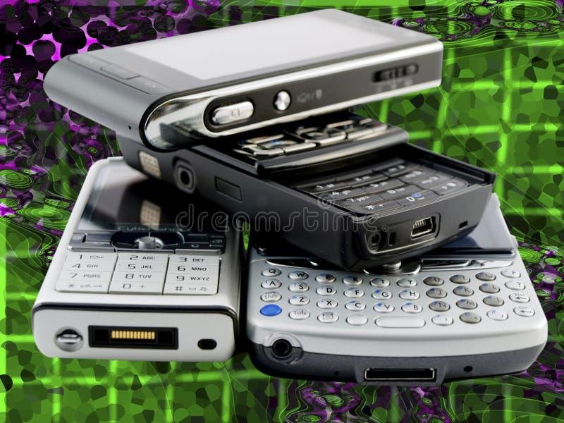 mobila moderna telefoner flera staplar arkivbilder