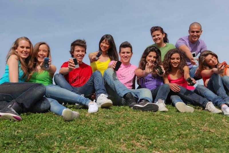 Mobile ou téléphones portables d'années de l'adolescence image stock