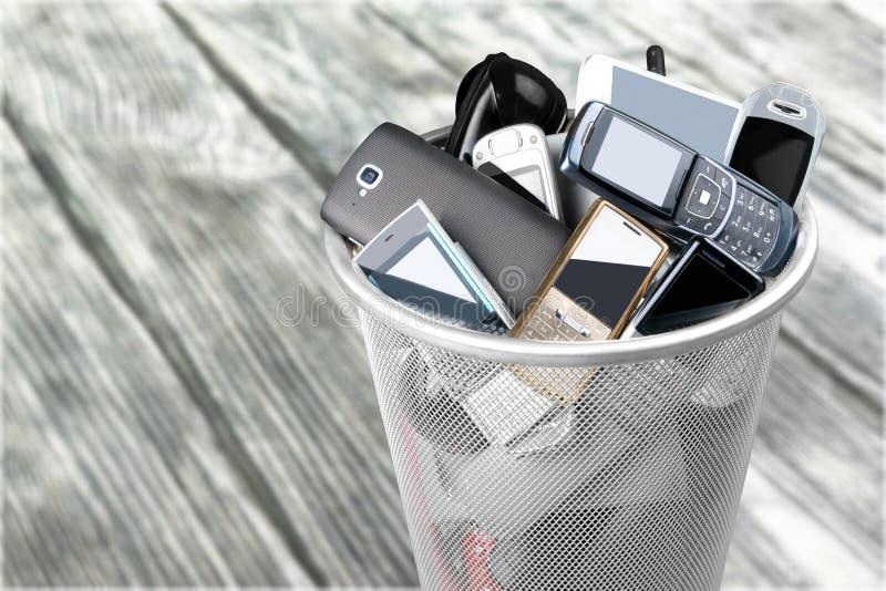 Mobilen ringer arkivbild