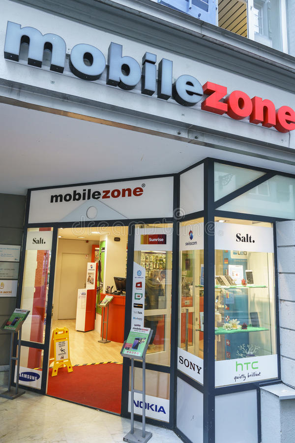 Mobilezone通信零售店在卢赛恩,瑞士 免版税库存图片