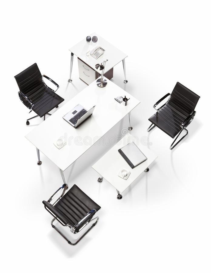 Mobiliário de escritório em uma opinião superior do fundo branco fotografia de stock royalty free