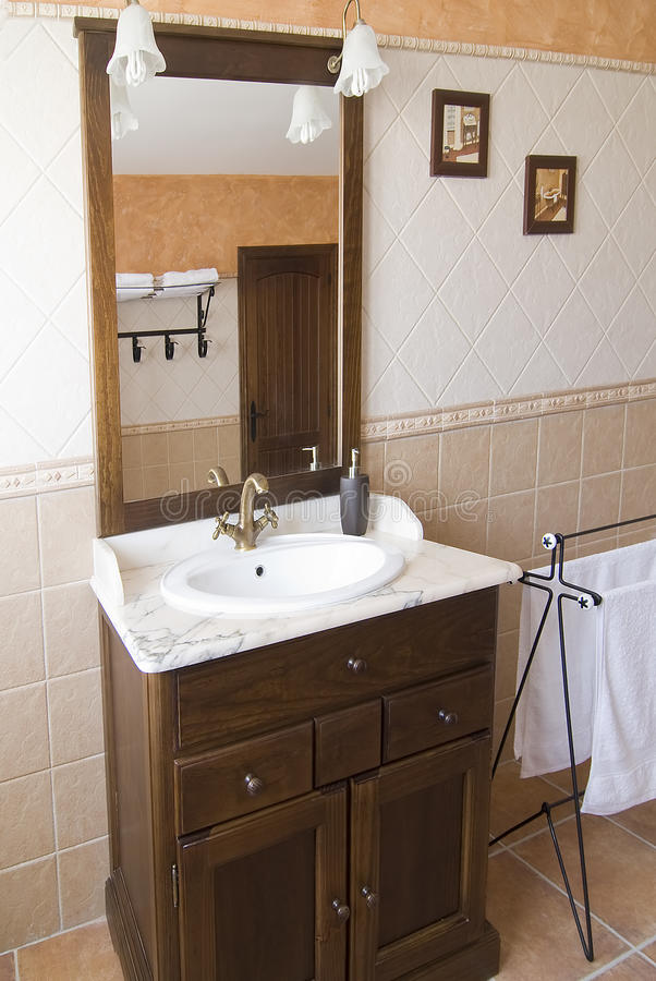 Mobilia nella stanza da bagno. fotografie stock libere da diritti