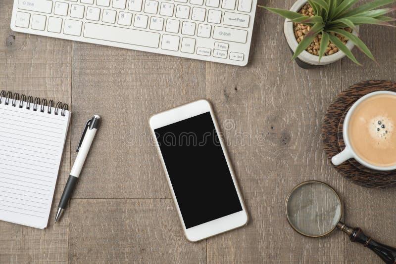Mobiltelefon- eller smartphoneåtlöje upp royaltyfri foto
