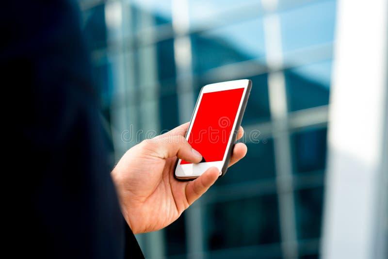 Mobiltelefon med den tomma skärmen royaltyfri foto