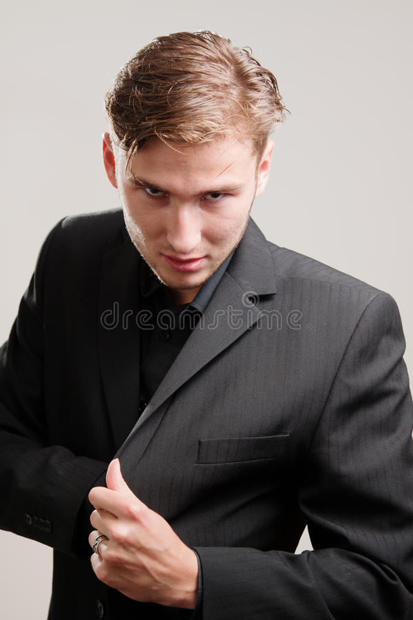 Download Mobster In Suite Drawing A Gun Stock Photo - Image: 20611086