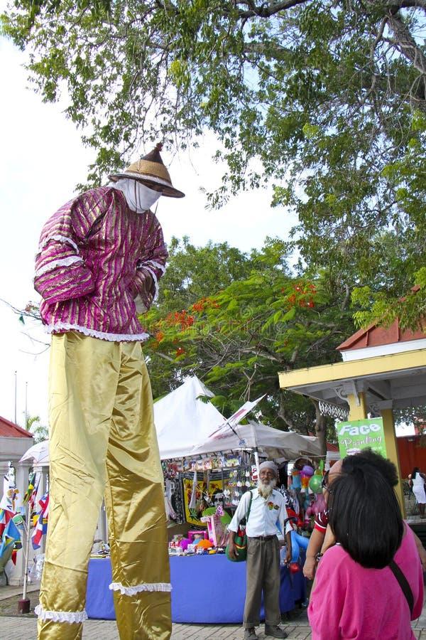 Mocko Jumbie alla st Croix Food Festival immagine stock libera da diritti