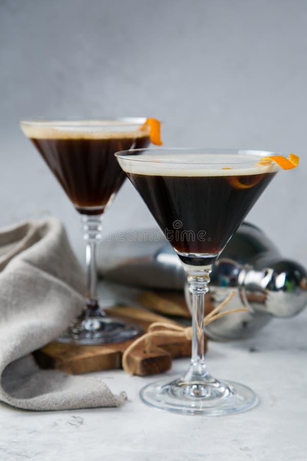 Mocktail negro del matrini del carbón de leña imagen de archivo