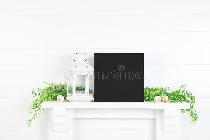 Mockup de Sinal de Madeira - Mockup de Farmhouse para Design imagens de stock royalty free