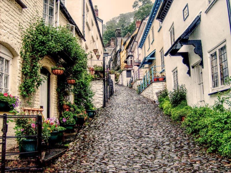 Moczę brukował ulicę w Clovelly, Devon obrazy stock
