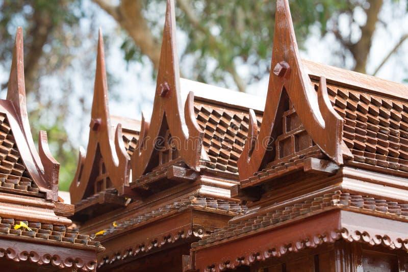 Modèle antique de style de maisons thaïlandaises foreshorten photographie stock libre de droits
