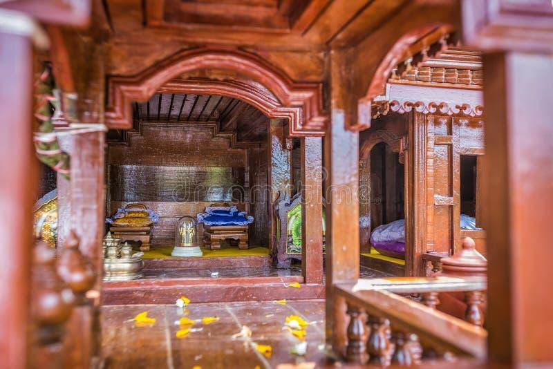 Modèle antique de style de maisons thaïlandaises foreshorten photo stock
