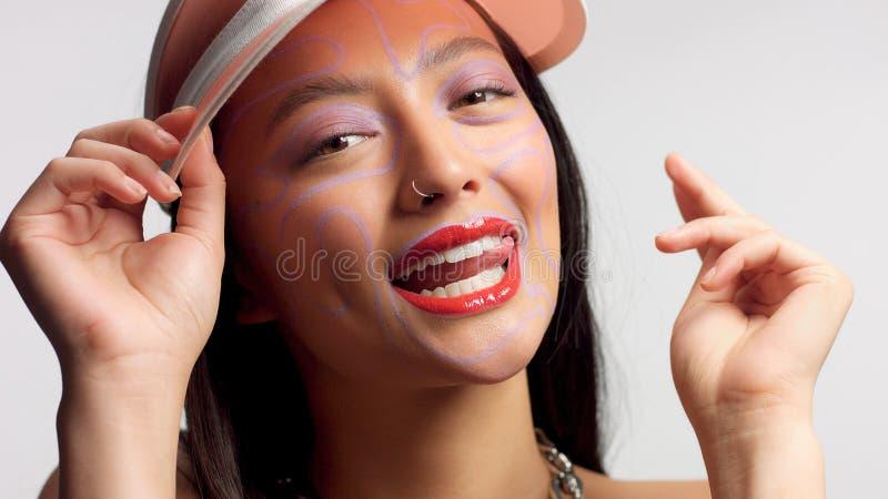 Modèle asiatique de métis dans la pousse de beauté de studio image libre de droits