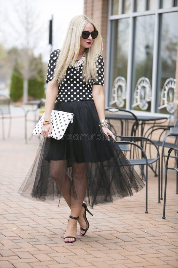 Modèle blond Flirty photographie stock