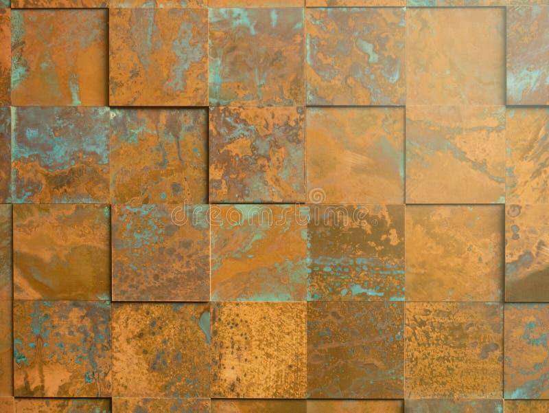 Modèle carré fait de plats de cuivre rouillés pour les tuiles à la maison de bardeaux de conception ou de toit de docoration image libre de droits
