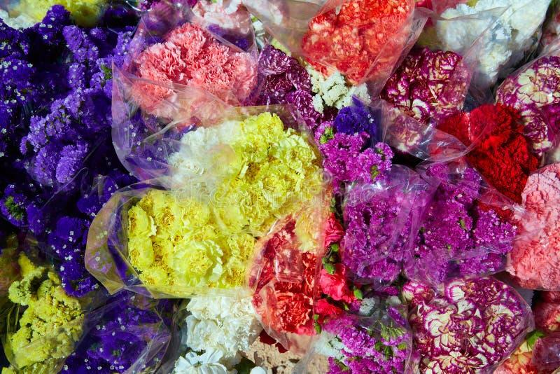 Modèle coloré de bouquets de groupe de fleurs photos libres de droits