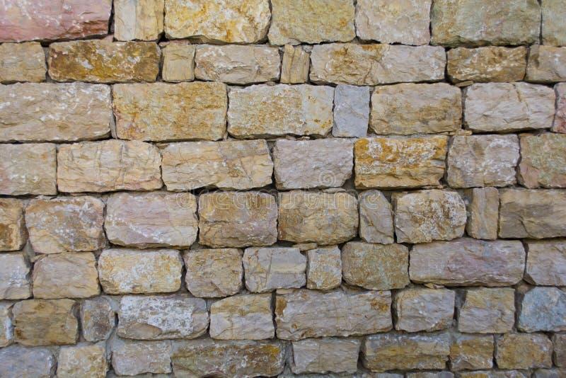 Modèle coloré mur en pierre criqué inégal décoratif de conception moderne de style du vrai photo stock