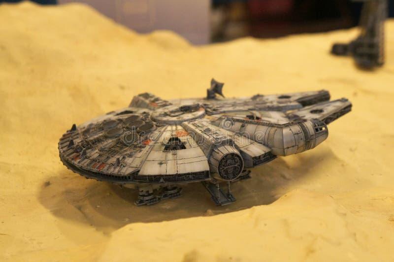 Modèle d'échelle de vaisseau spatial de faucon de millénaire des films de concession de Star Wars photos libres de droits