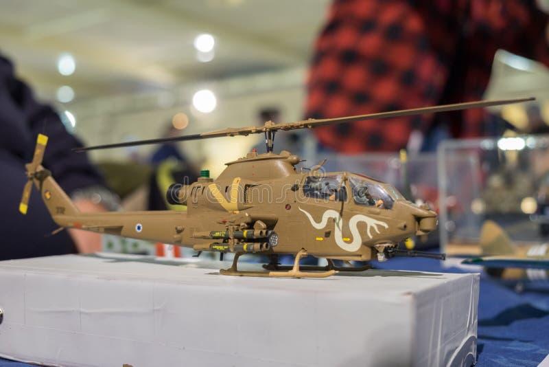 Modèle d'échelle du cobra 1F israélien de Bell d'hélicoptère de l'Armée de l'Air OH photos libres de droits