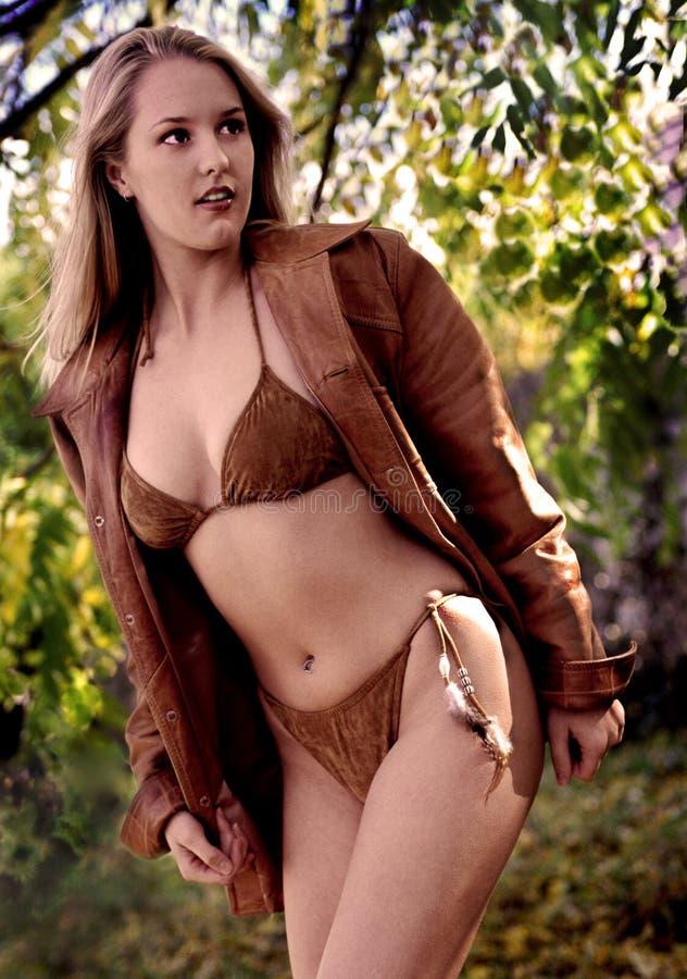 Modèle de bikini images stock