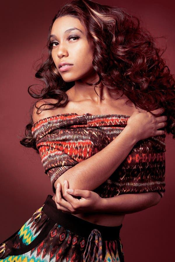 Modèle de mode d'African-american. photographie stock libre de droits