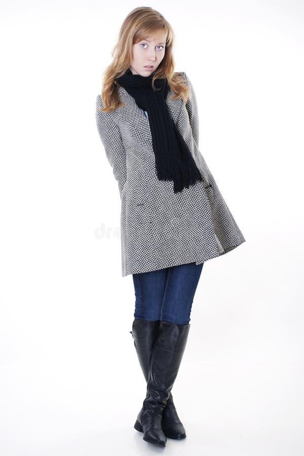 Modèle de mode dans des vêtements d'automne images stock