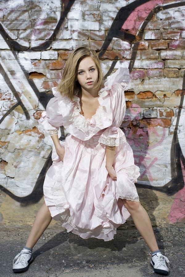 Modèle de mode dans la robe photo libre de droits