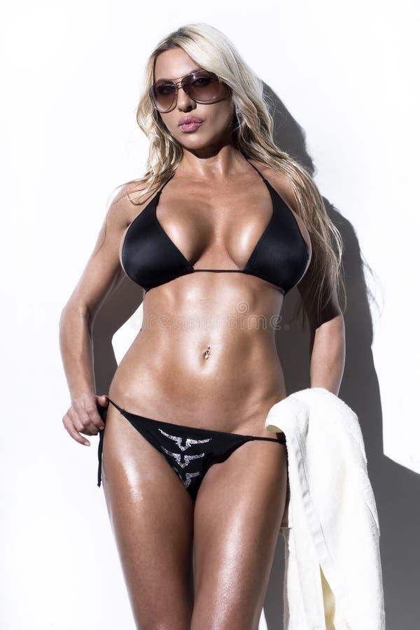 Modèle de mode de bikini image libre de droits