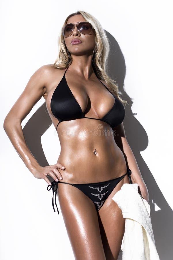 Modèle de mode de bikini images stock