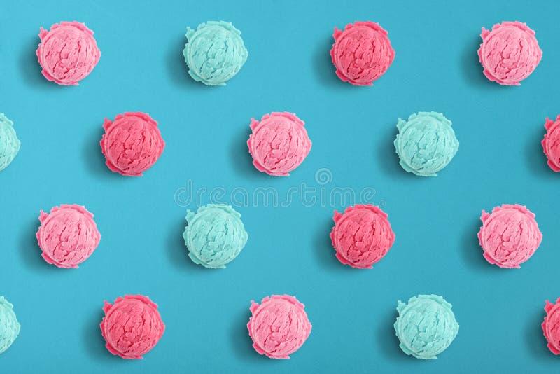 Modèle des scoops de crème glacée  photos stock