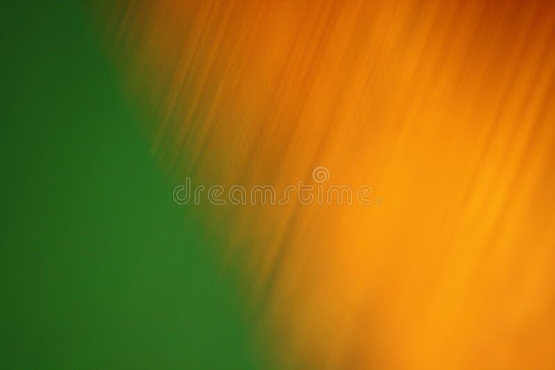 Modèle diagonal d'or texturisé de vert solide image stock