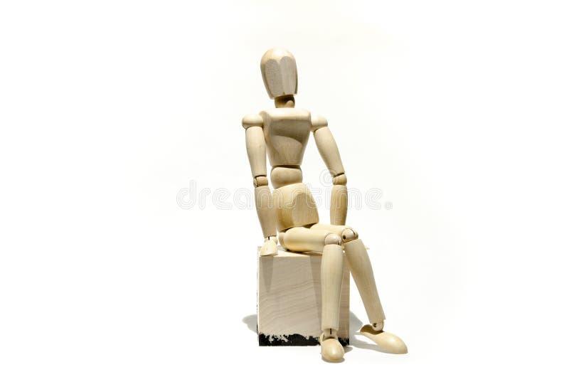 Modèle en bois de mannequin sur le cube en bois photo stock