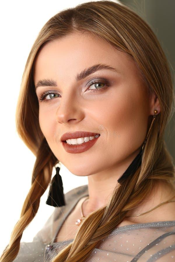 Modèle femelle caucasien Advertising Shooting de beauté photos libres de droits