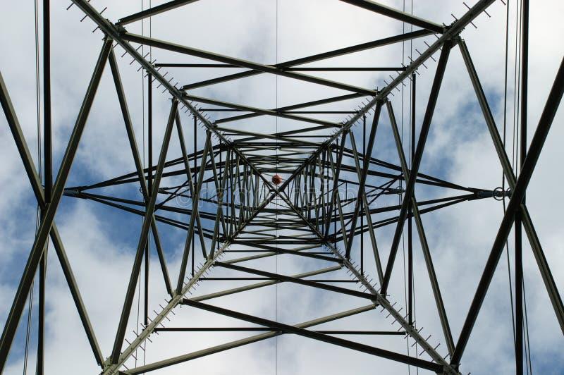 Modèle géométrique dans un pylône de l'électricité photographie stock libre de droits