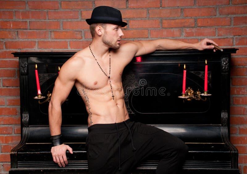 Modèle mâle photo libre de droits