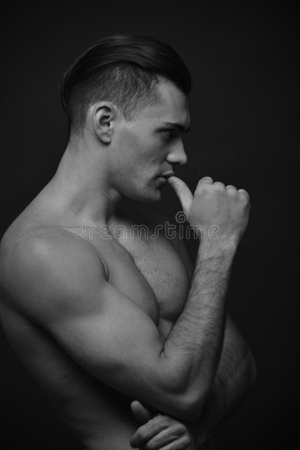 Modèle mâle photos libres de droits