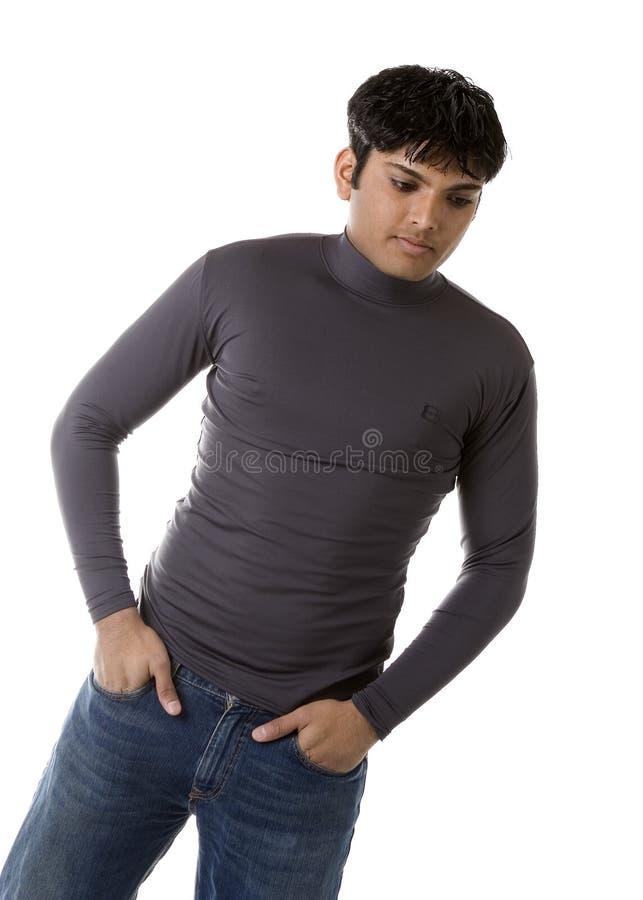Modèle mâle dans des vêtements sport photographie stock libre de droits