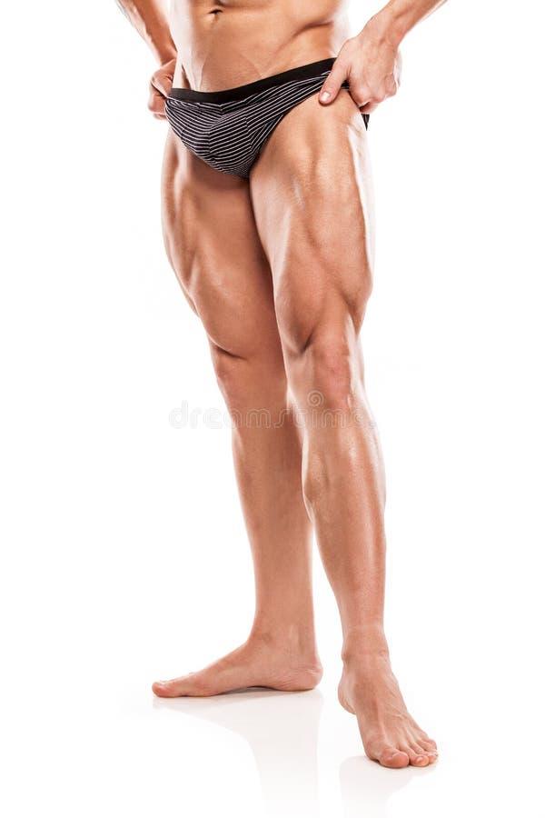Modèle sportif fort Torso de forme physique d'homme montrant b musculaire nu photographie stock