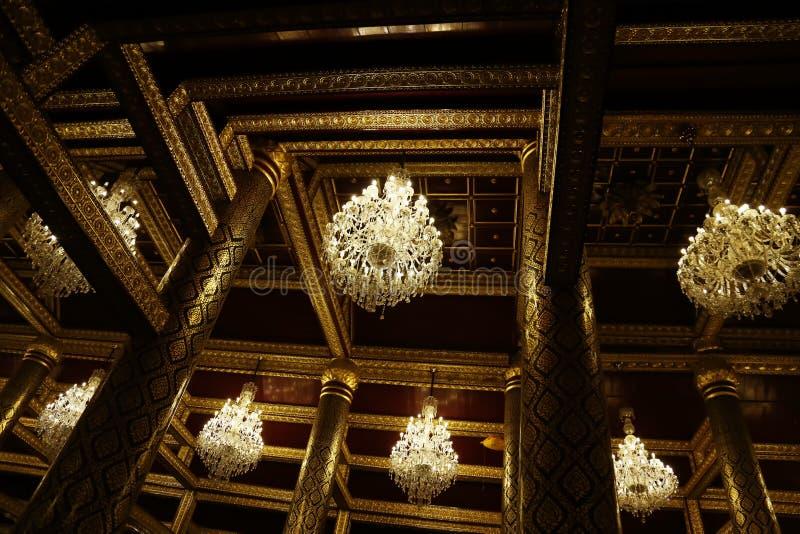 Modèle thaïlandais de style de l'Asie d'art sur la structure intérieure et architecture de temple de la Thaïlande Bouddha photos stock