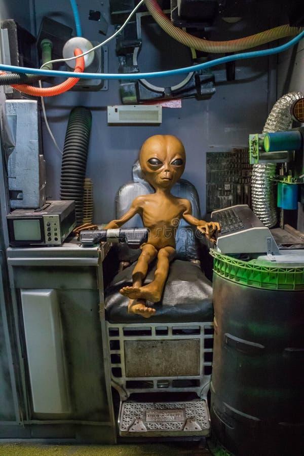 Modèles miniatures d'UFO dans Roswell, Nouveau Mexique photos libres de droits