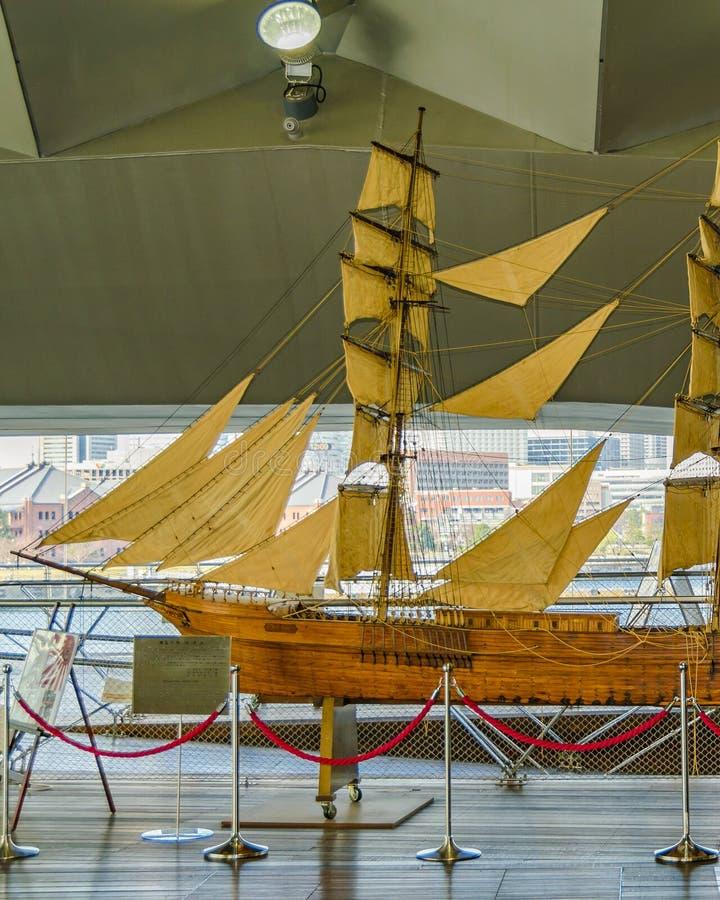 Mod?le antique japonais de bateau photographie stock