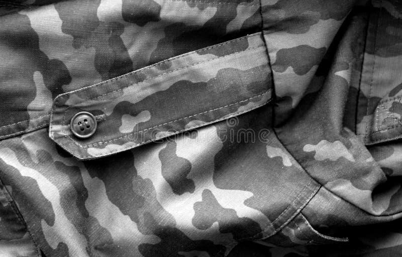 Mod?le d'uniforme militaire avec l'effet de tache floue en noir et blanc image libre de droits