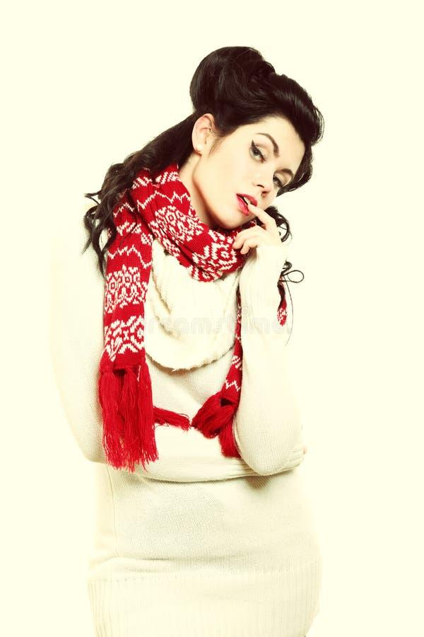 Moda caliente del invierno de la ropa del peinado retro de la mujer foto de archivo libre de regalías