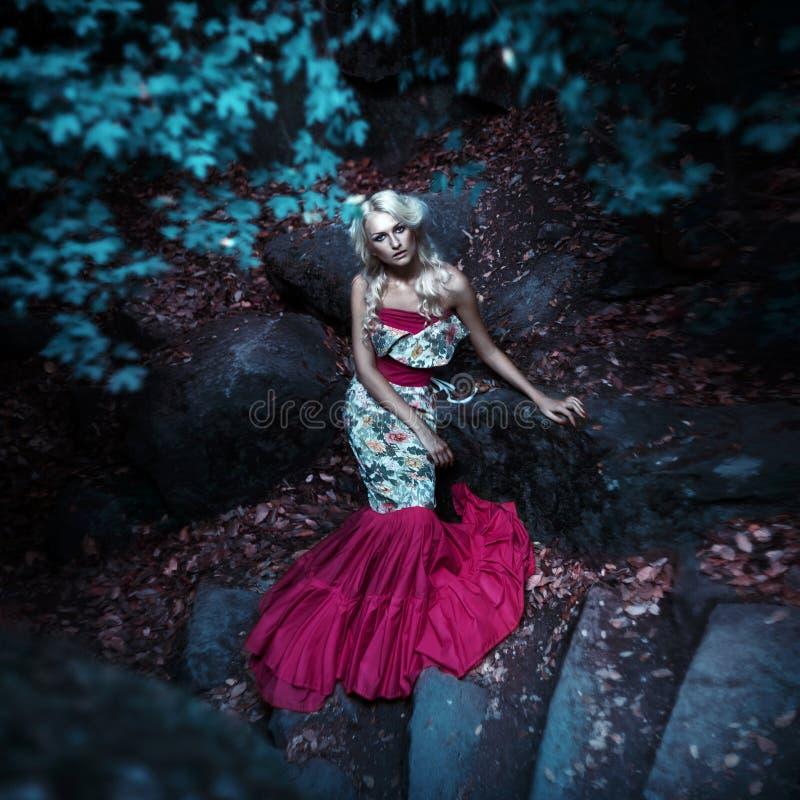 Moda del cuento de hadas. Sirena foto de archivo