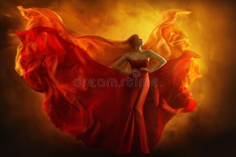Moda modela sztuki fantazi ogienia suknia, z zasłoniętymi oczami kobieta marzy obrazy stock