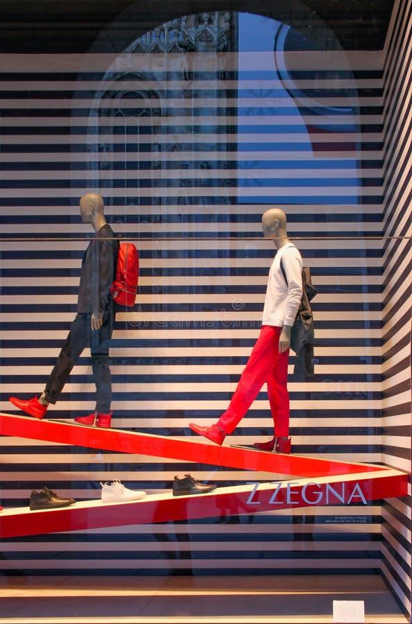 Moda para los hombres en Milán foto de archivo libre de regalías